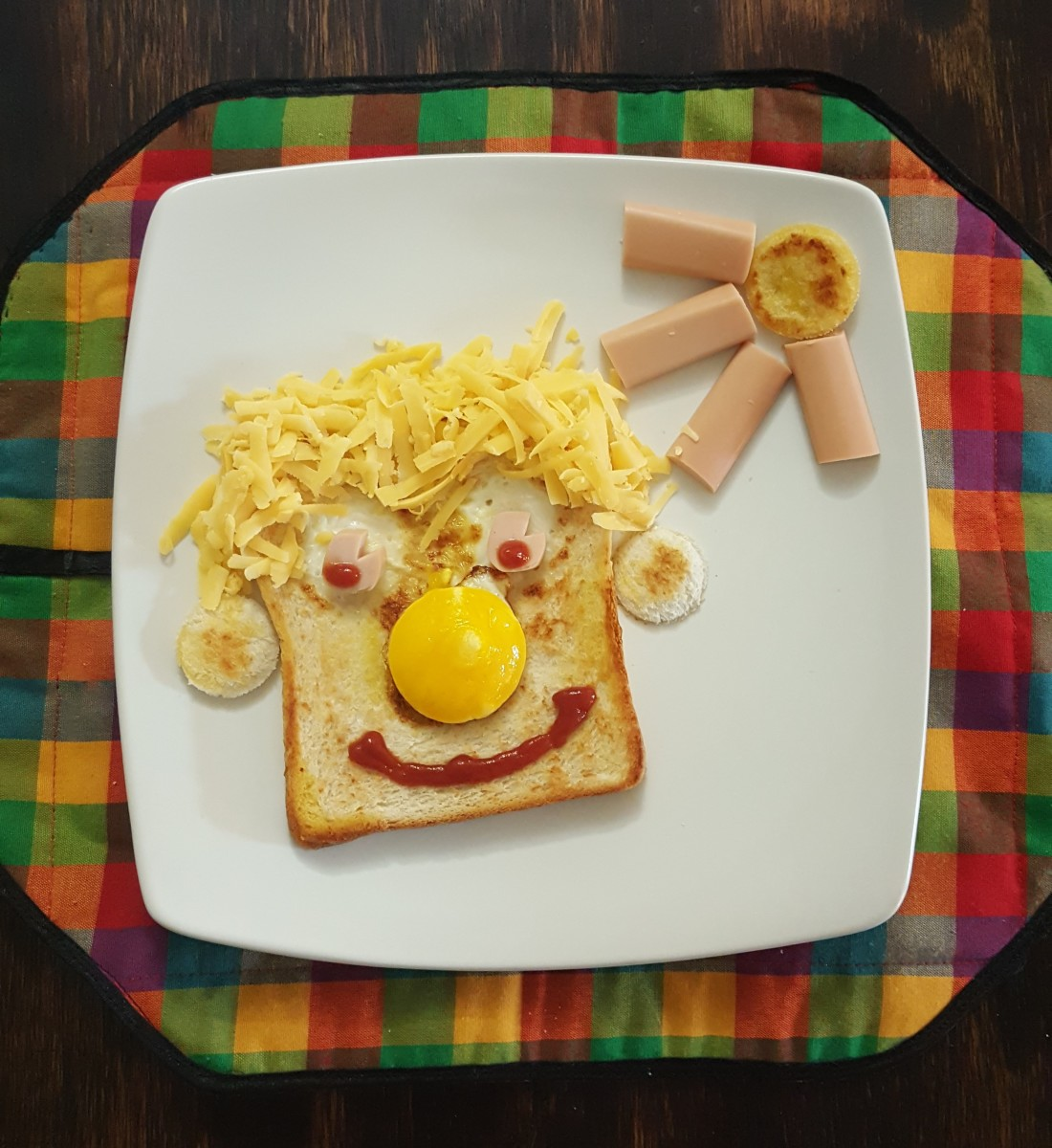 Quick and Easy Kid-Friendly Recipe - Eggy Faces