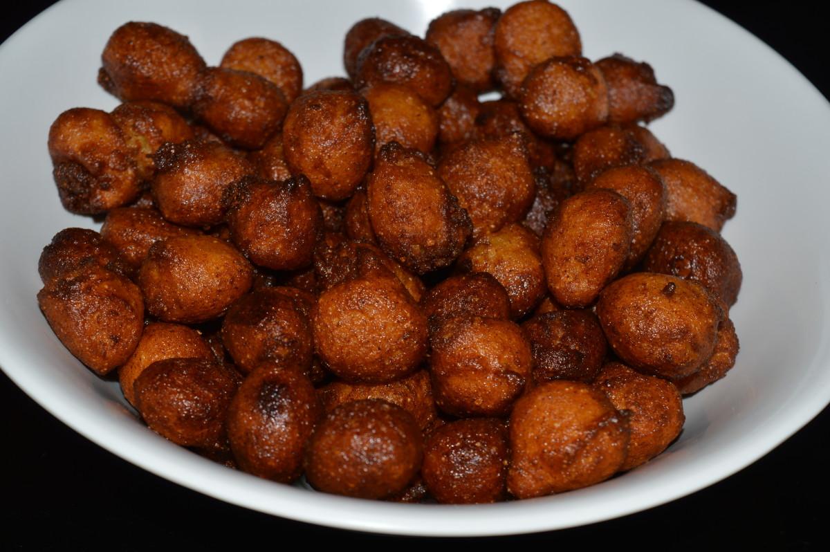 Plantain dessert balls or banana fritters