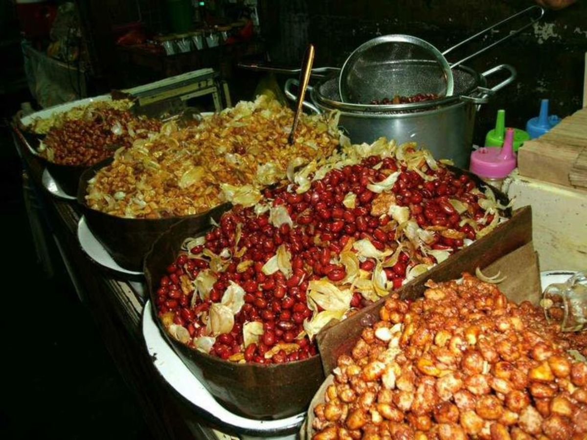 Roasted peanuts sold by street vendors