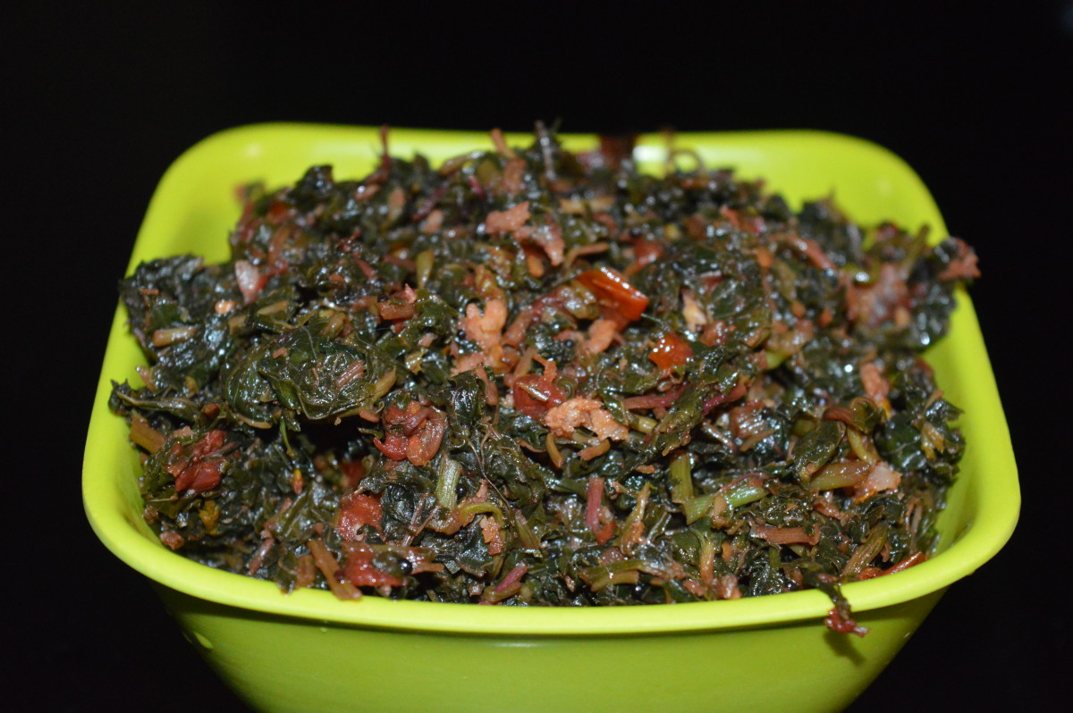 Making Red Amaranth Leaves (Kempu Harive), a Garlic Stir-Fry Side Dish