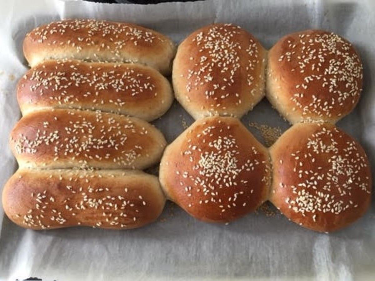 How to Make Whole Wheat Hamburger and Hotdog Buns From Scratch
