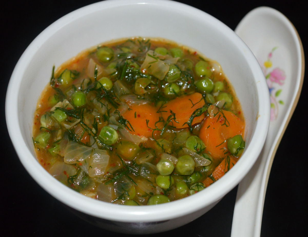 Green Pea and Carrot Vegan Salad or Gravy Soup