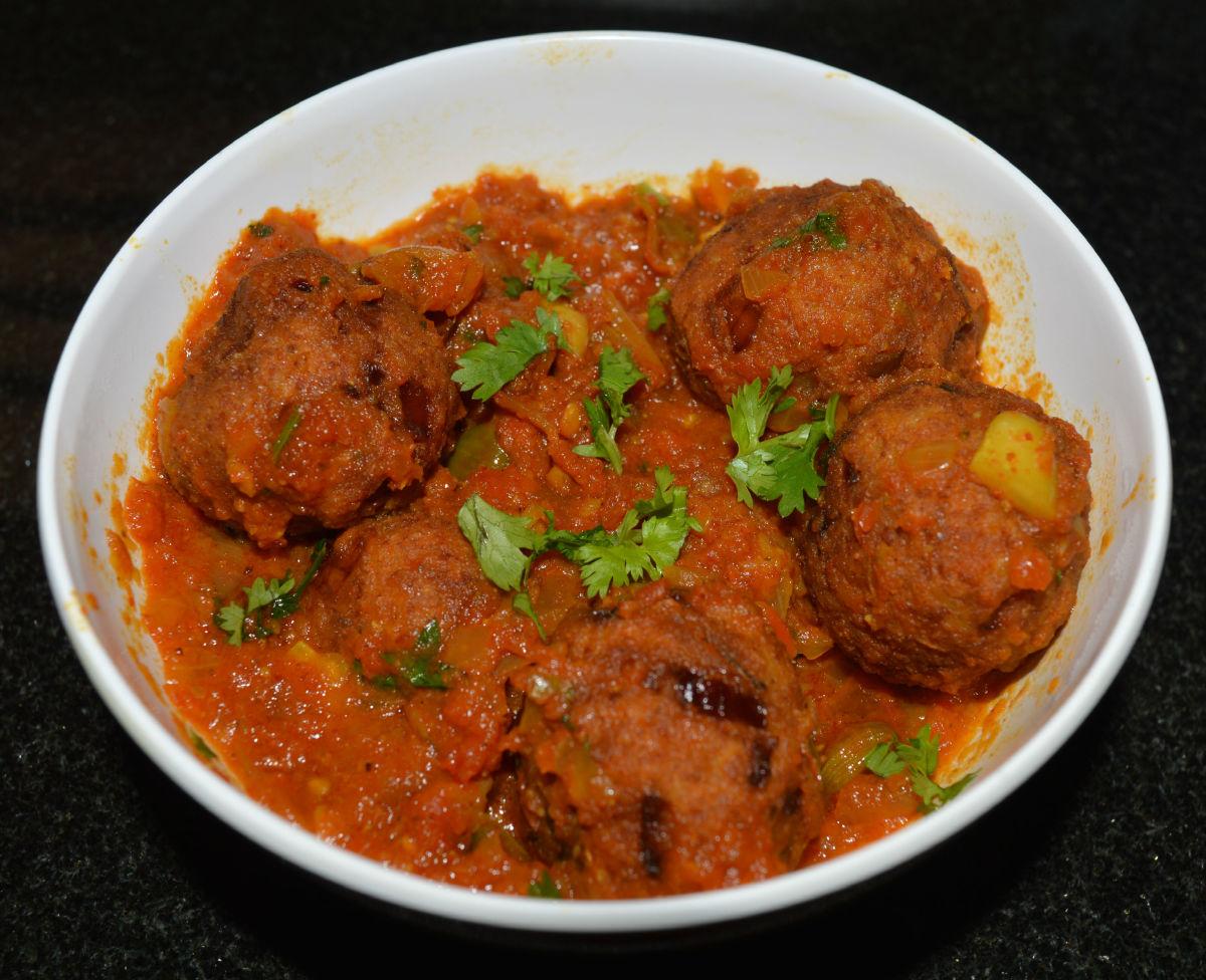 Making Banana/Plantain Kofta Curry as a Side Dish