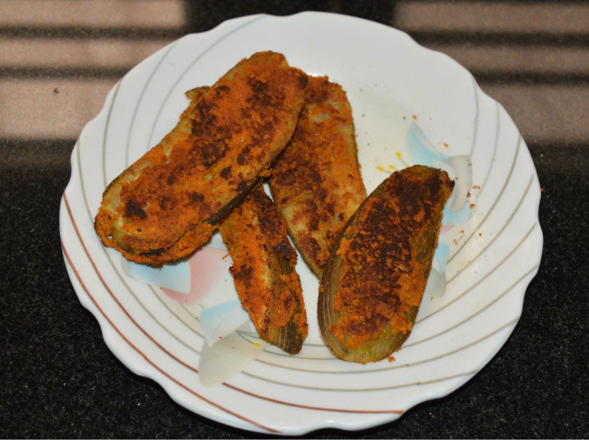 Roasted or pan-fried bananas
