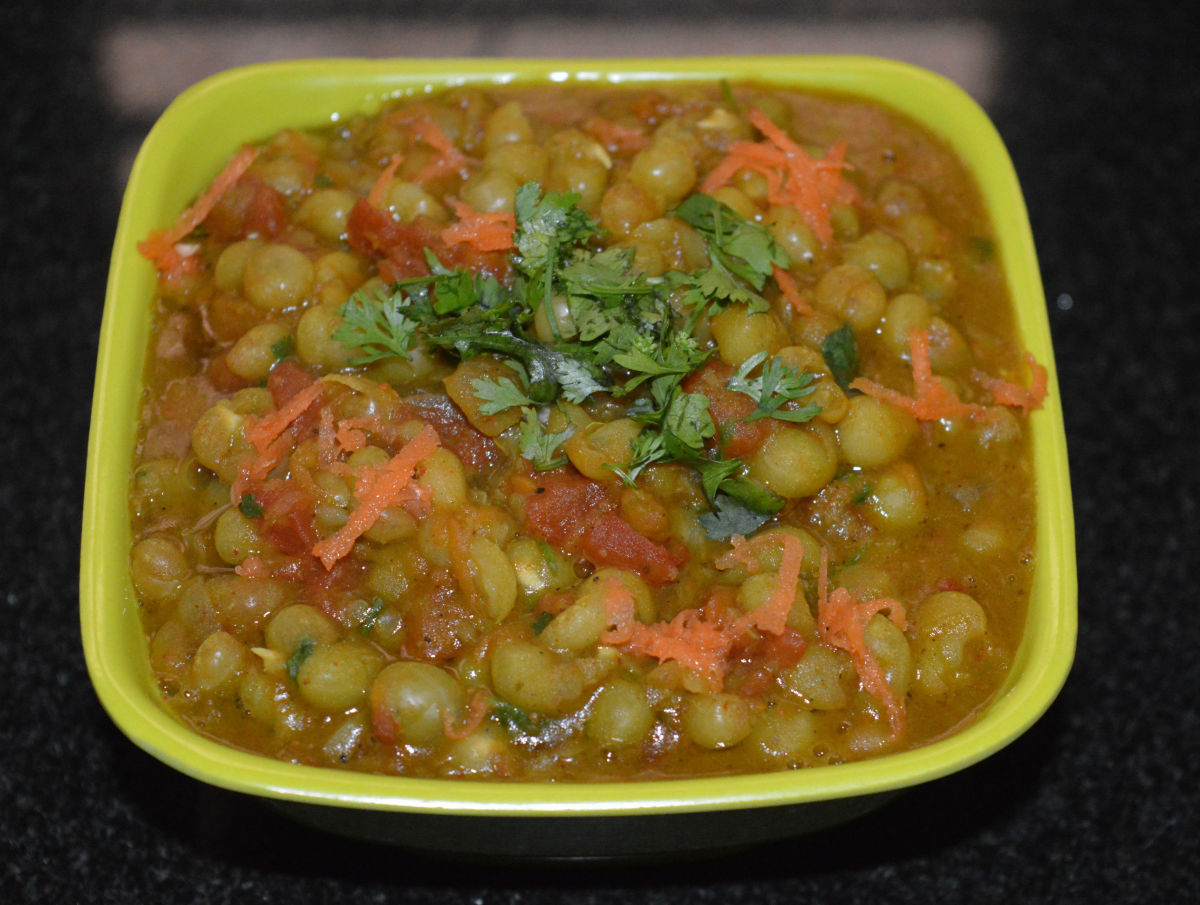 Dried Green Pea Curry (Masala)