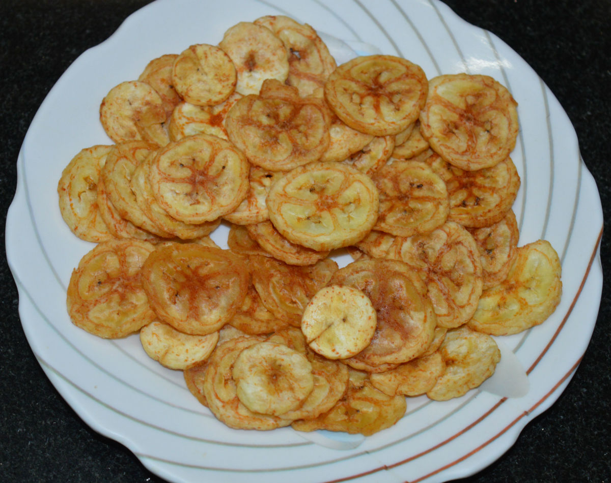 Crunchy and Delicious Raw Banana Chips (Banana Wafers)