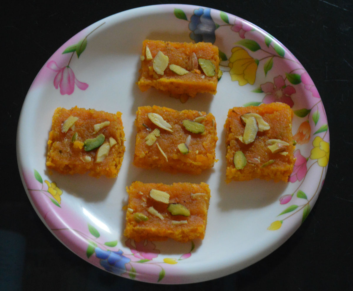 Carrot burfi (carrot cakes).