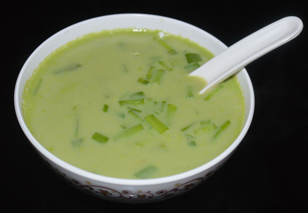 Making Green Pea and Spring Onion Soup
