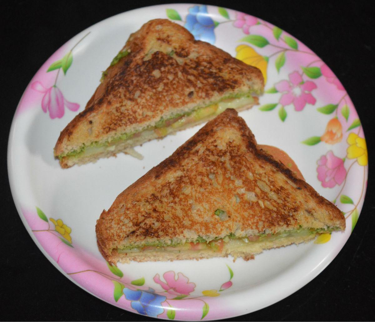 How to Make a Green Coriander Chutney Sandwich