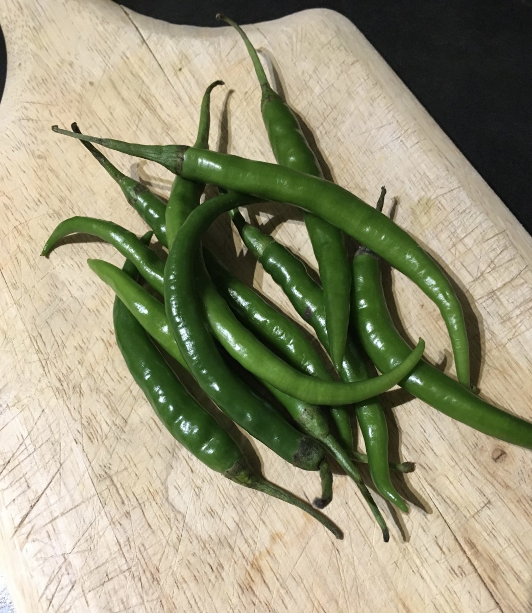 Learn how to freeze green chillies for future use.