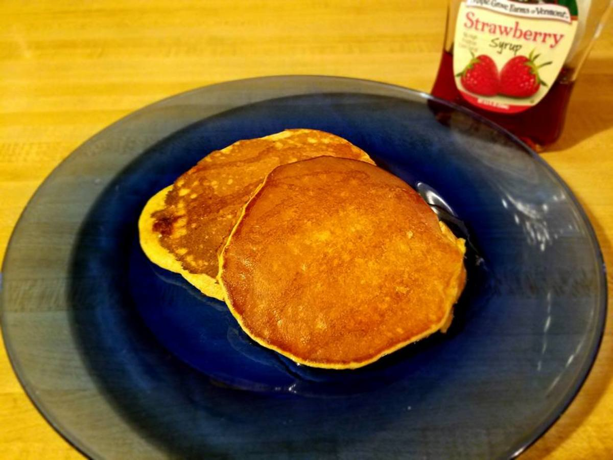 Four-Ingredient Whole-Wheat Banana Pancakes