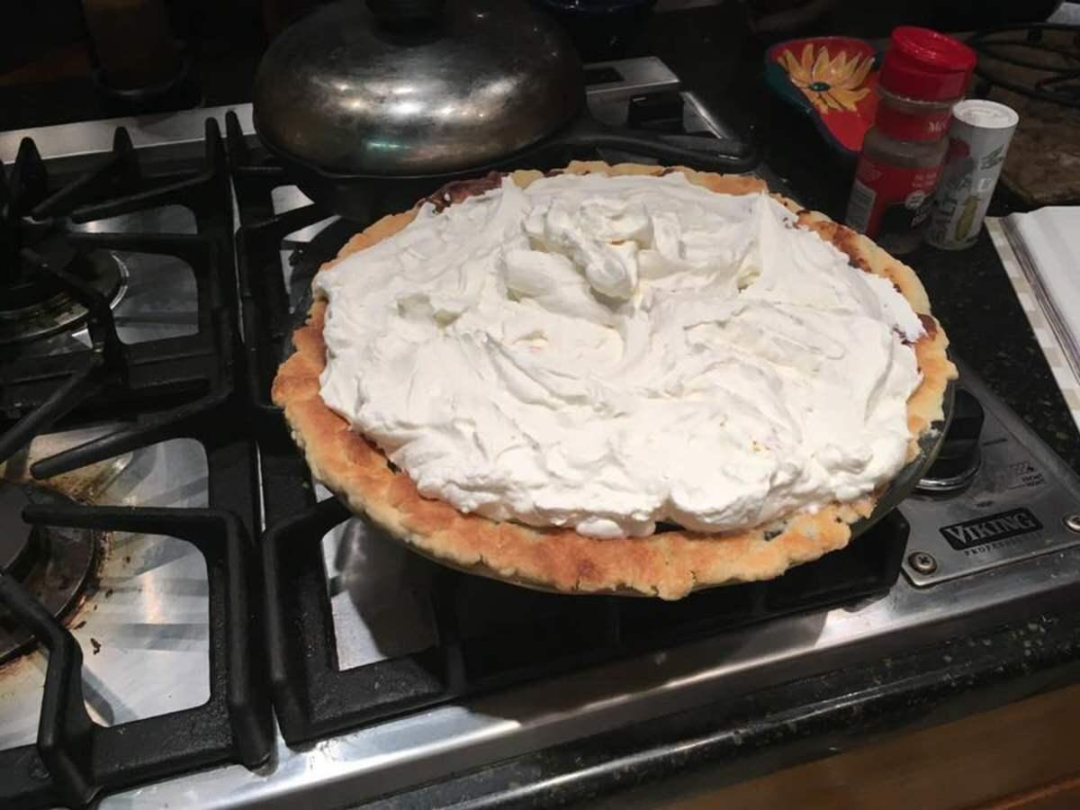Creamy Chocolate Banana Cream Pie Recipe