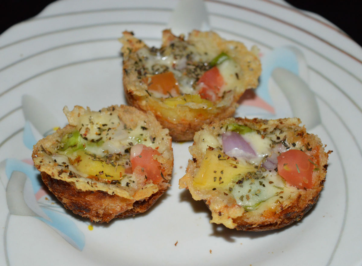 Quick and Easy Bread Pizza Cups