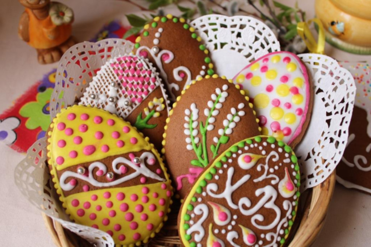 Iced and decorated Russian Easter biscuits. How will your biscuits turn out?