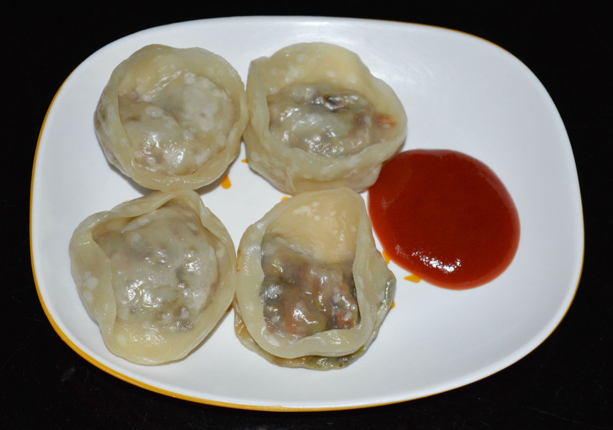 Steamed wontons with vegetable filling