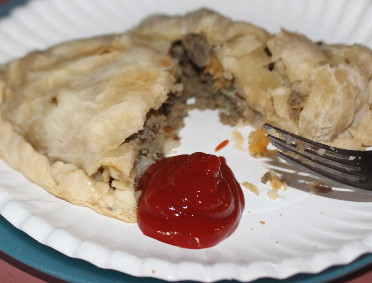 How to Make a Classic Upper Penninsula Pasty