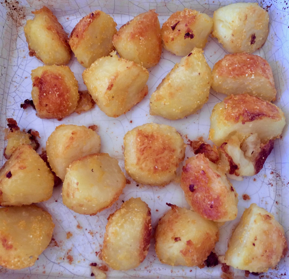 How to Make the Perfect Roast Potatoes: Crisp on the Outside, Soft and Fluffy on the Inside