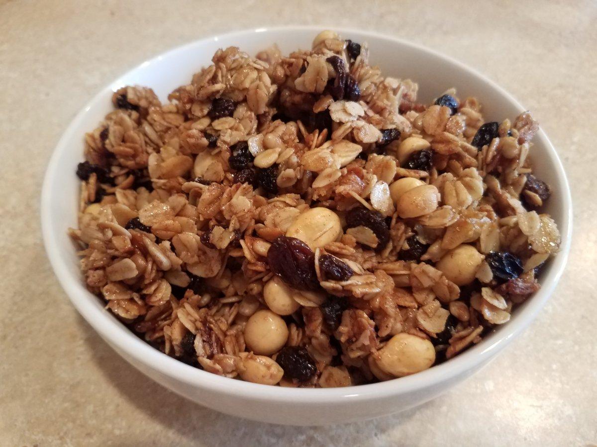 Homemade Peanut and Raisin Granola