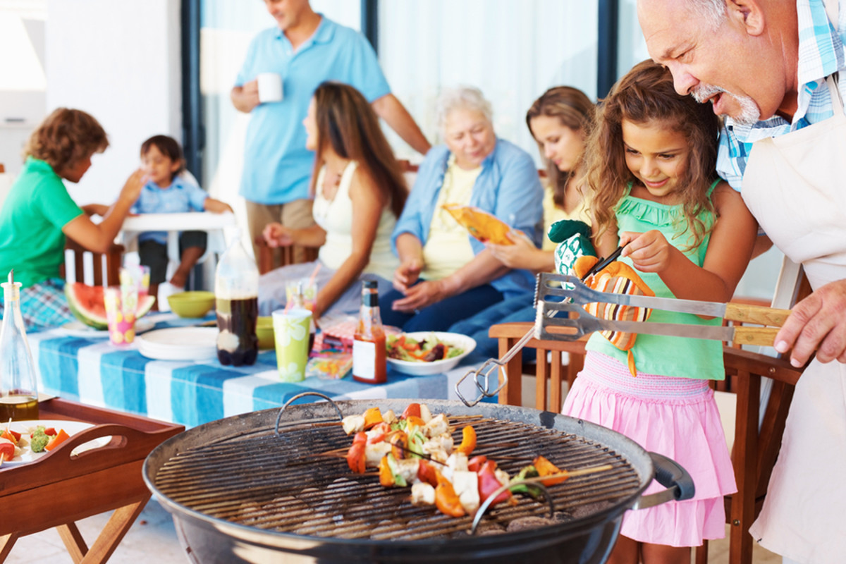 How to Eat Well at a BBQ or Cookout When You Have Food Allergies