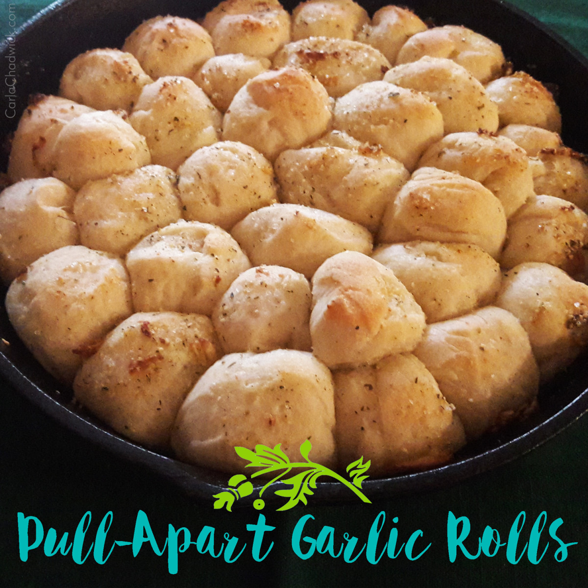 Pull-Apart Garlic Rolls Recipe
