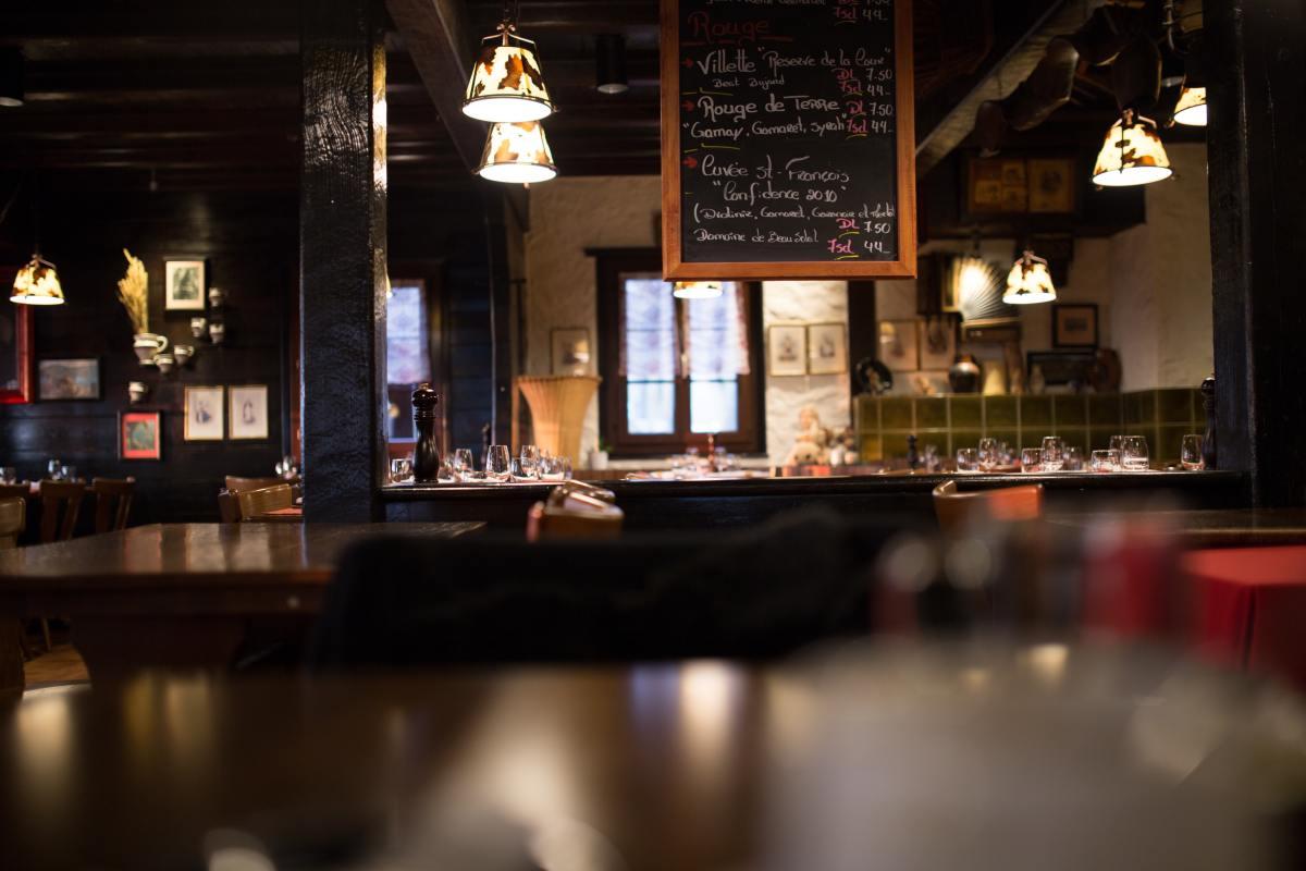 5 Restaurant Rumors Debunked by a Server
