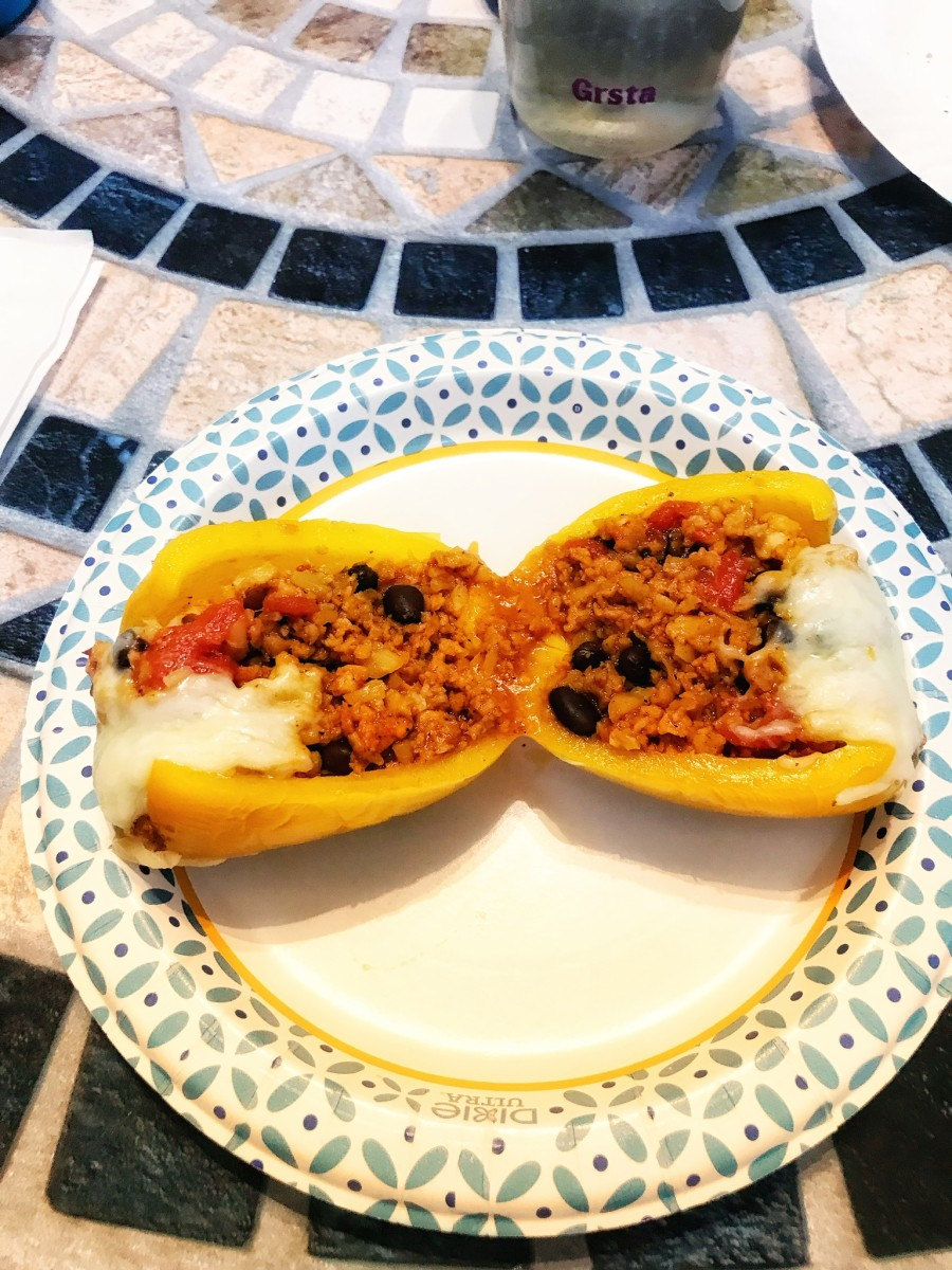 Mexican Stuffed Peppers With Cauliflower Rice (21 Day Fix)