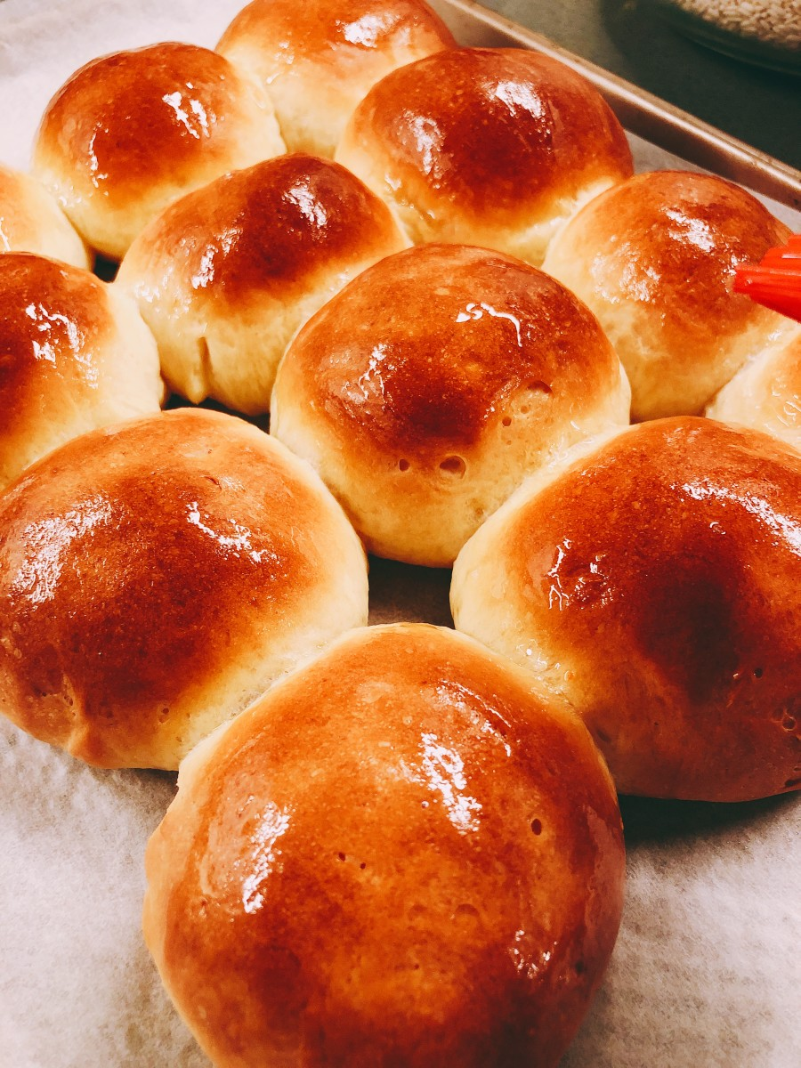 Soft and delicious dinner rolls!