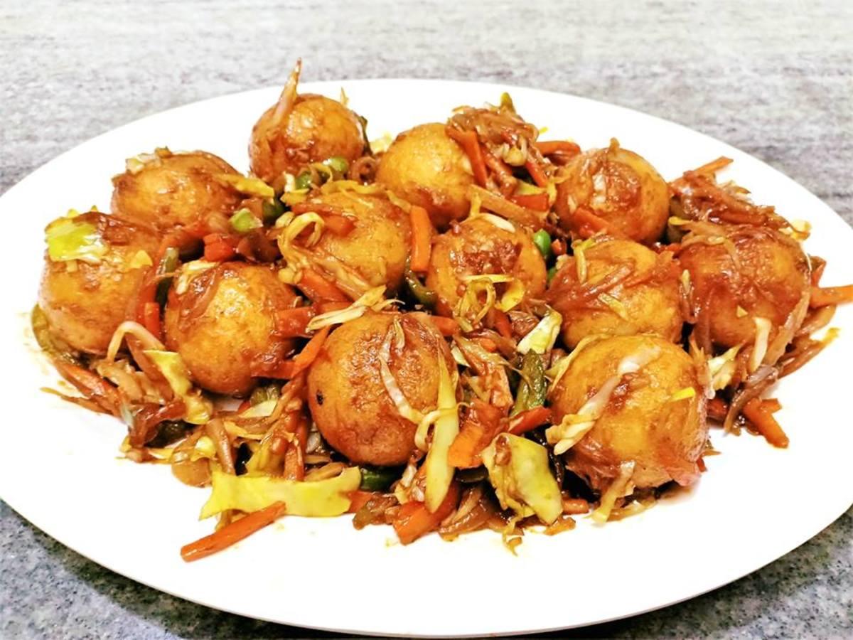 Suji (Semolina) Balls: An Indian Breakfast or Snack Recipe