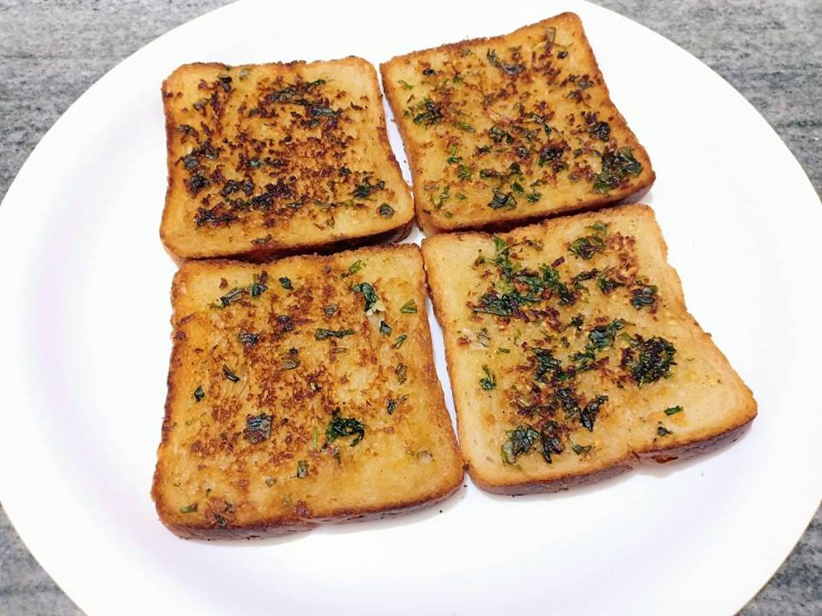 Garlic Bread on Tawa - Garlic Bread Toast Recipe