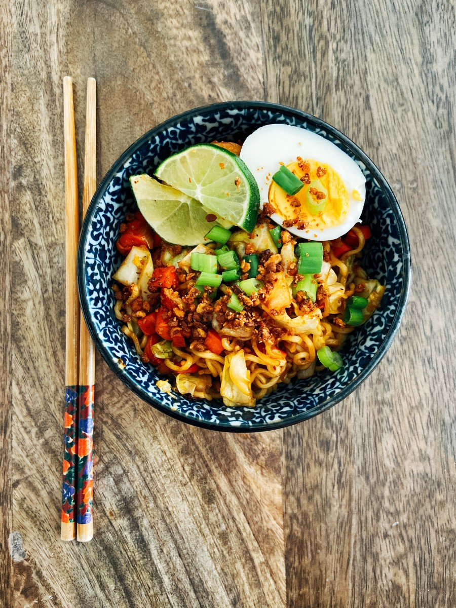 Malaysian-Style Spicy Fried Noodles (Mie Goreng)