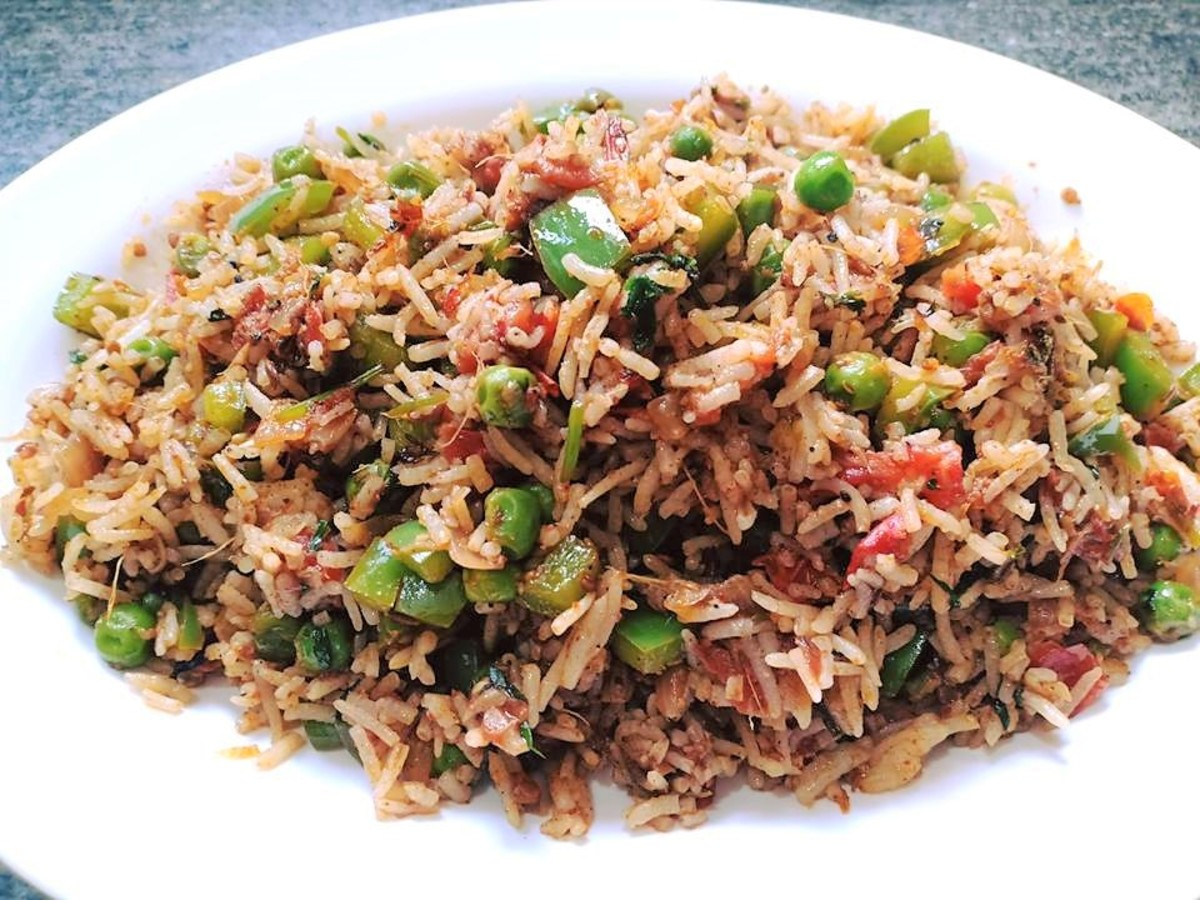Tawa pulao is a delicious street food from India.