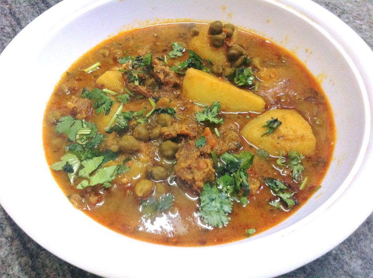 Aloo wadiyan: dried dumplings with potato curry.