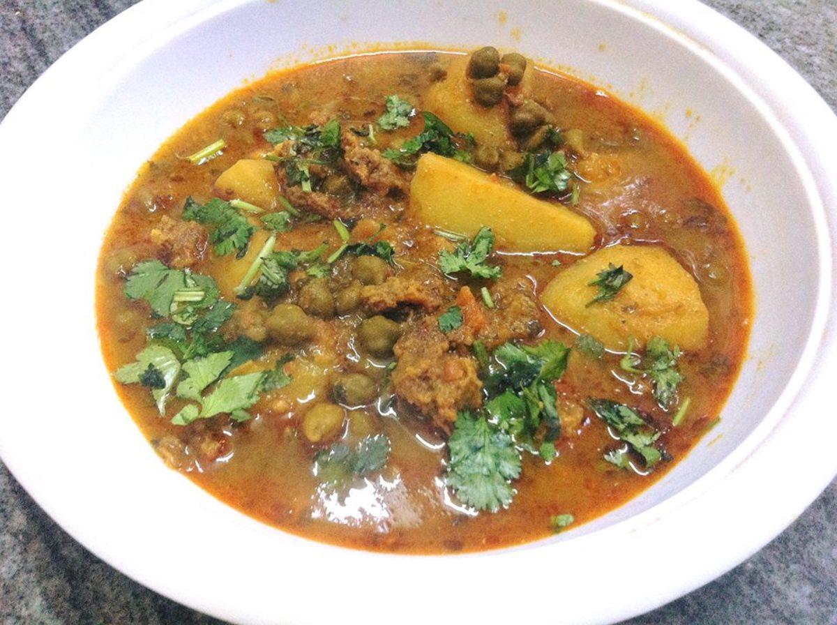 Aloo wadiyan: dried dumplings with potato curry.