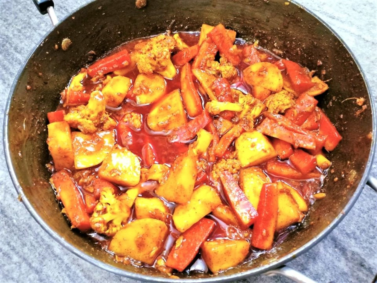 The popular cauliflower, carrot, and turnip pickle, which has both a sweet and a sour taste.