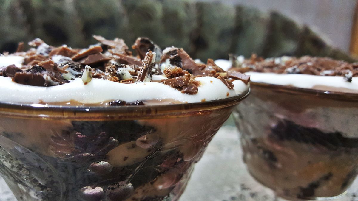 Layered Chocolate Trifle With Brownie, Oreo, Custard, and Cream