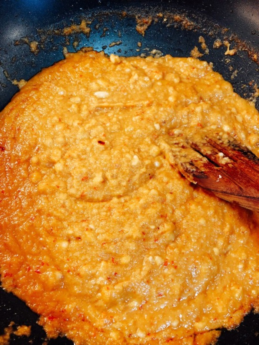 Authentic Malay-Style Peanut Sauce (Kuah Kacang)