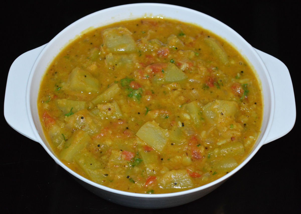 Bottle gourd (lauki) lentil curry