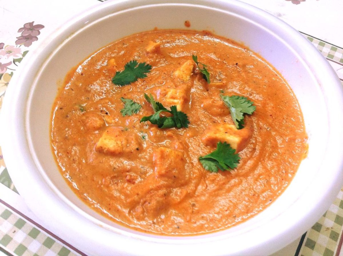 Tomato Paneer Curry (Cottage Cheese in Creamy Tomato Gravy)