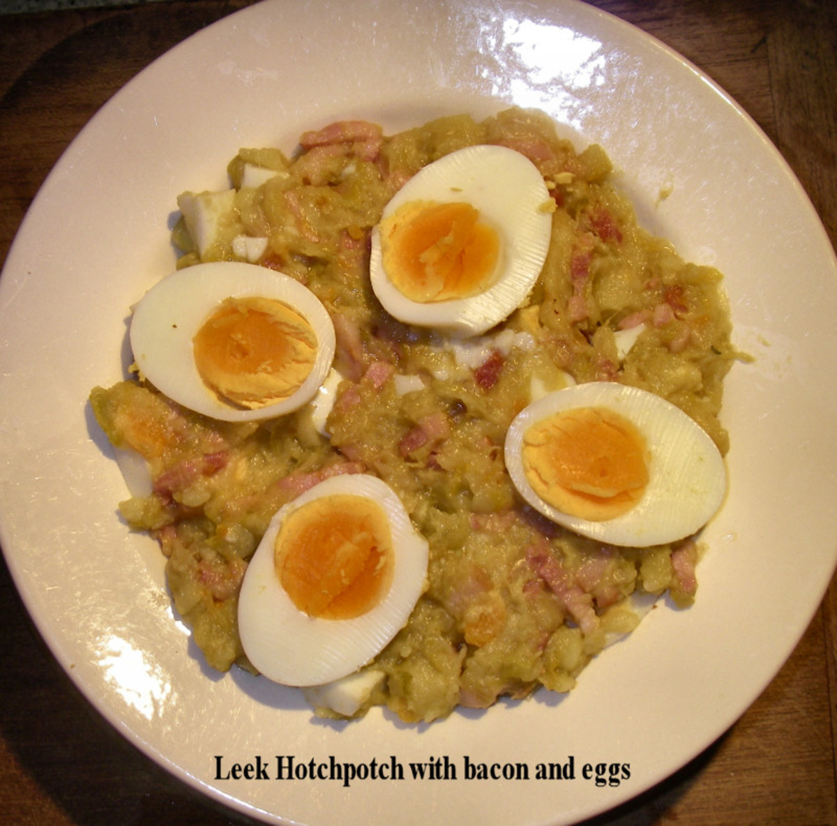 Leek Hotchpotch with eggs and diced bacon.
