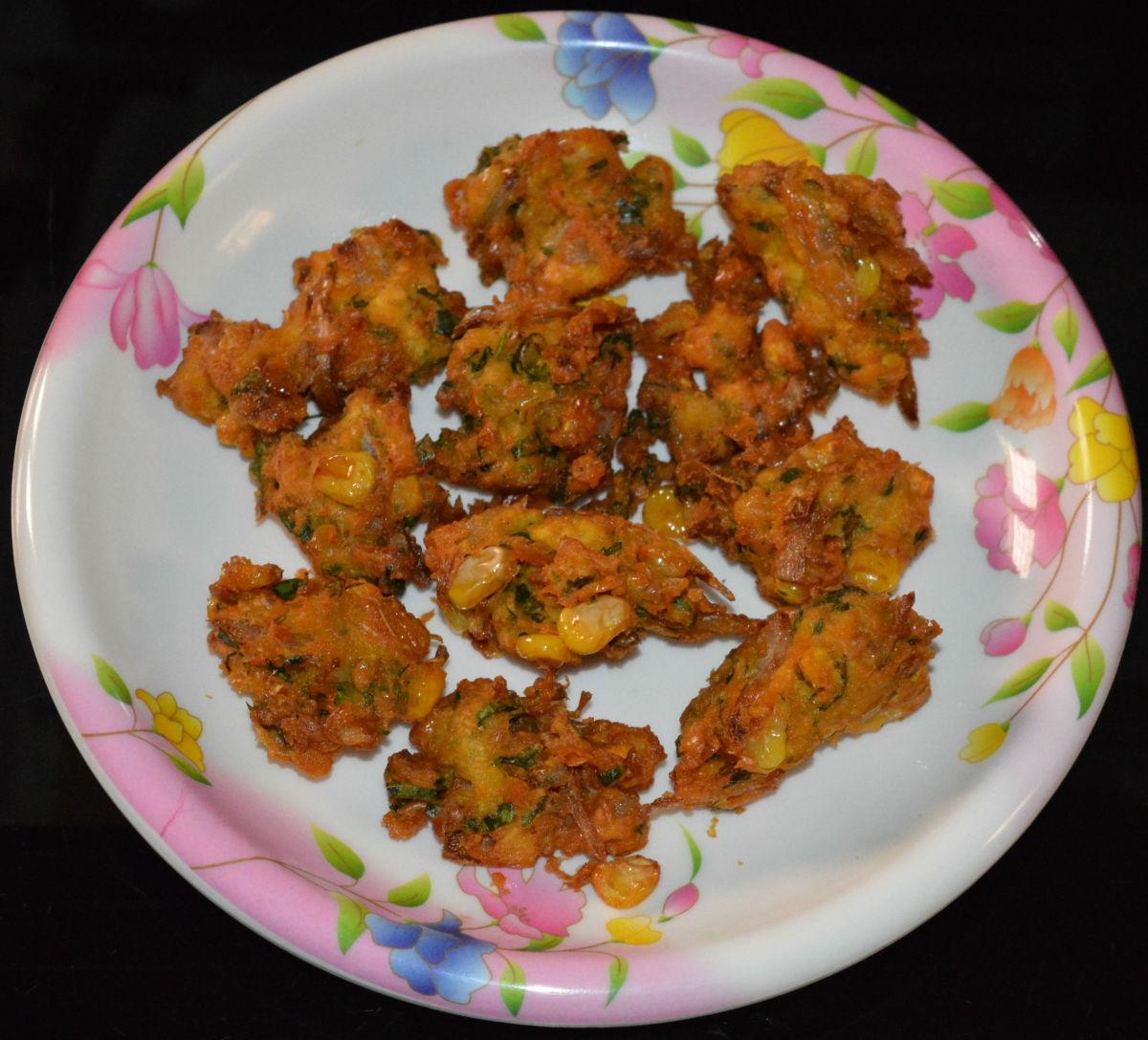 Homemade corn fritters (corn pakora).
