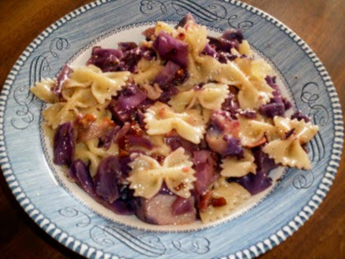 Red Cabbage and Pasta Stir-Fry: Illustrated Recipe