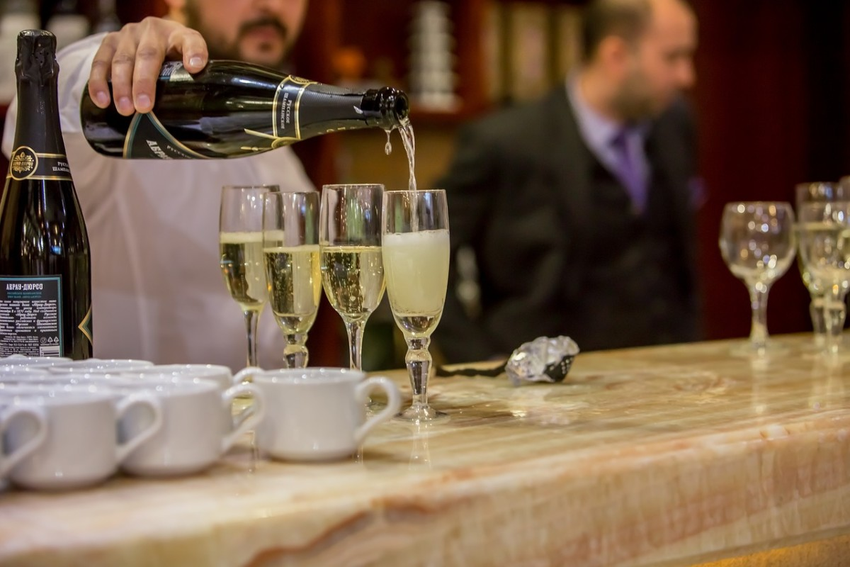 Top 5 Fun Facts Every Champagne Enthusiast Should Know