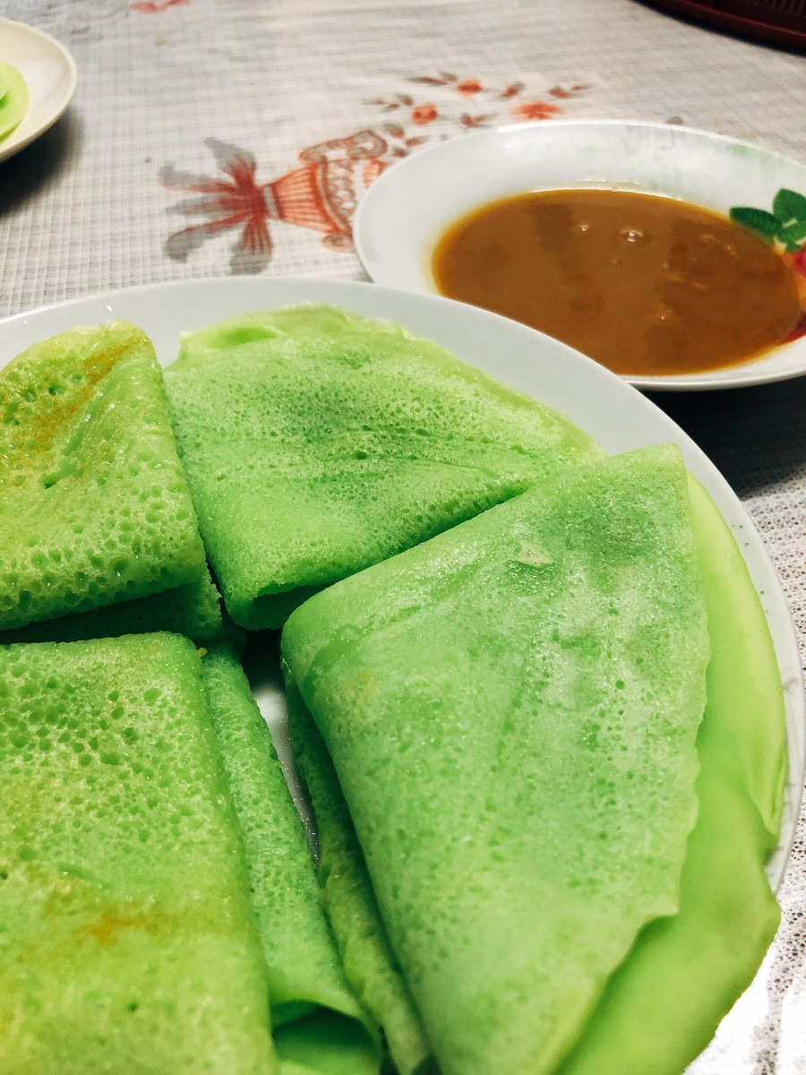 Malay-style durian jam (kuah durian) with crepes