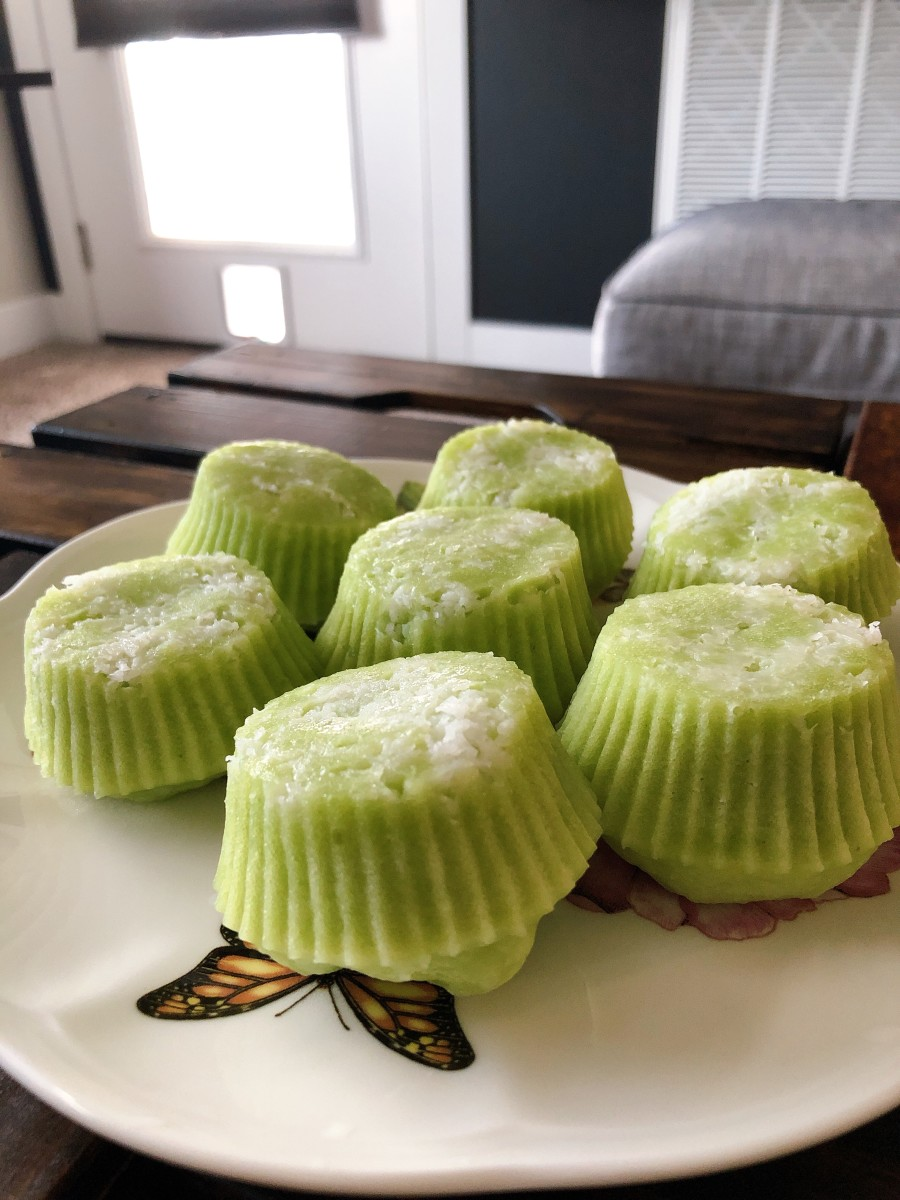 Malaysian Steamed Pandan Coconut Cake (Kuih Puteri Ayu)