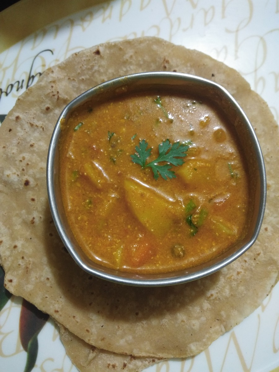 How to Make Vegetable Kurma in a Pressure Cooker