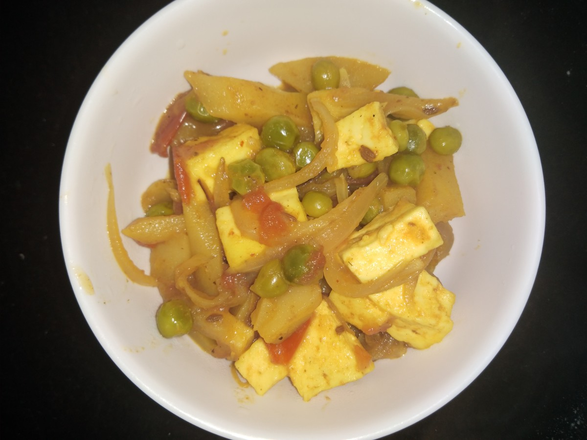 Dry mixed vegetables with paneer.