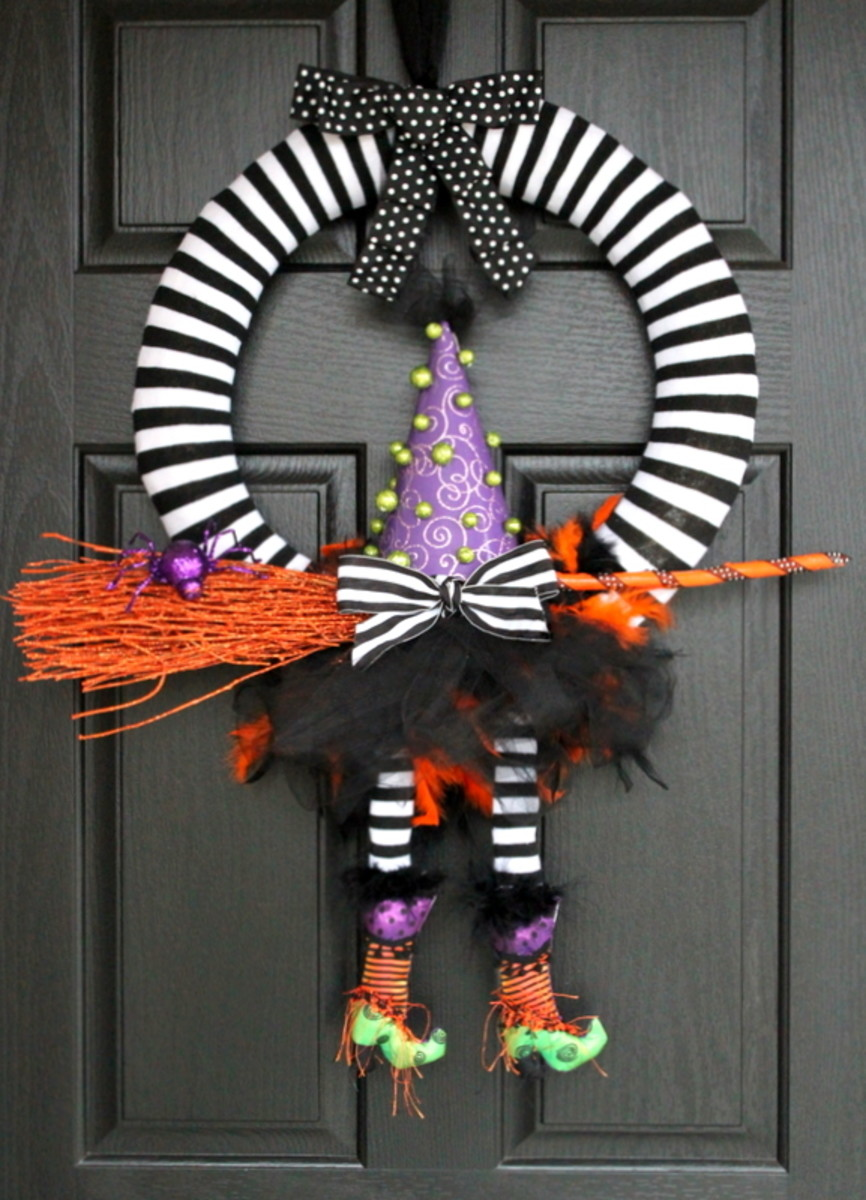 13 Easy Diy Halloween Wreaths You Will Be Dying To Make Holidappy
