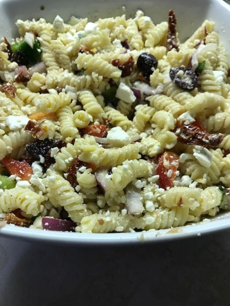 Greek pasta salad is perfect as a main course or as a side dish.