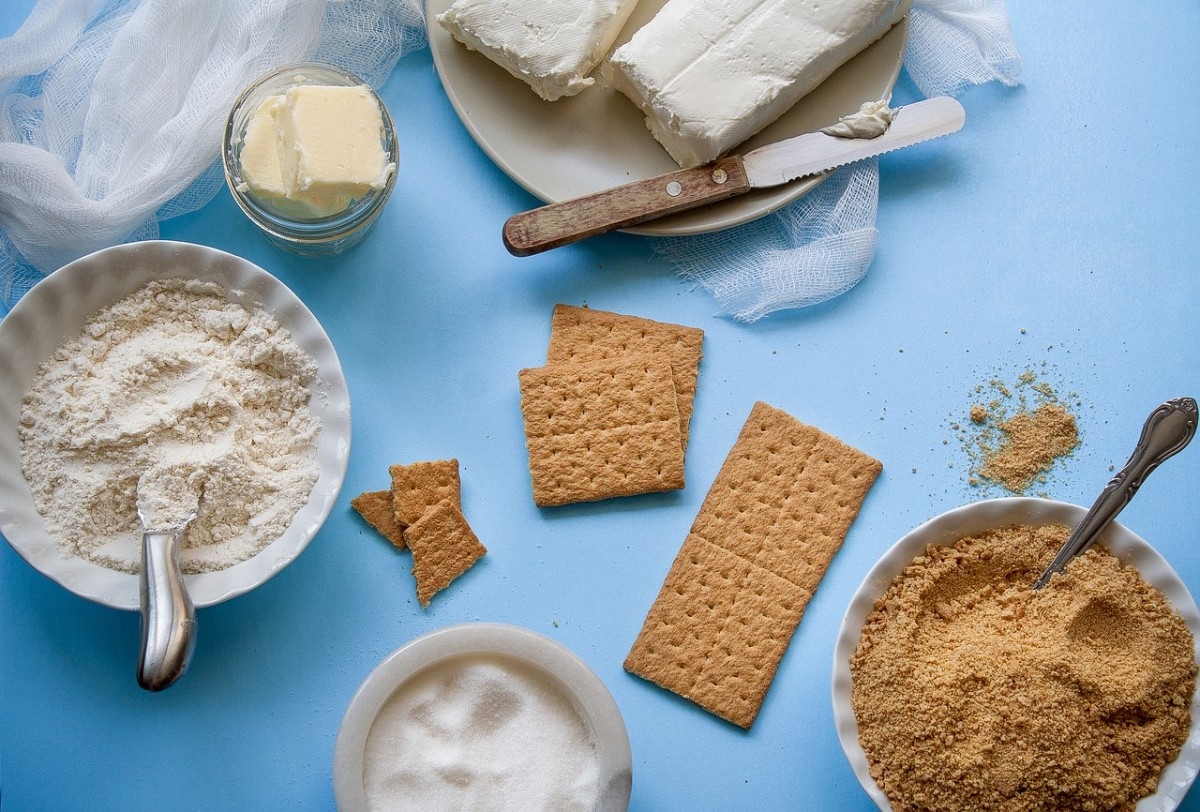 How to Make Your Own Buttermilk and Other 5-Minute Baking Hacks