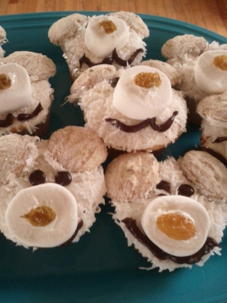 Polar Bear Cupcakes and Other Winter Treats (With Lessons for Kids)